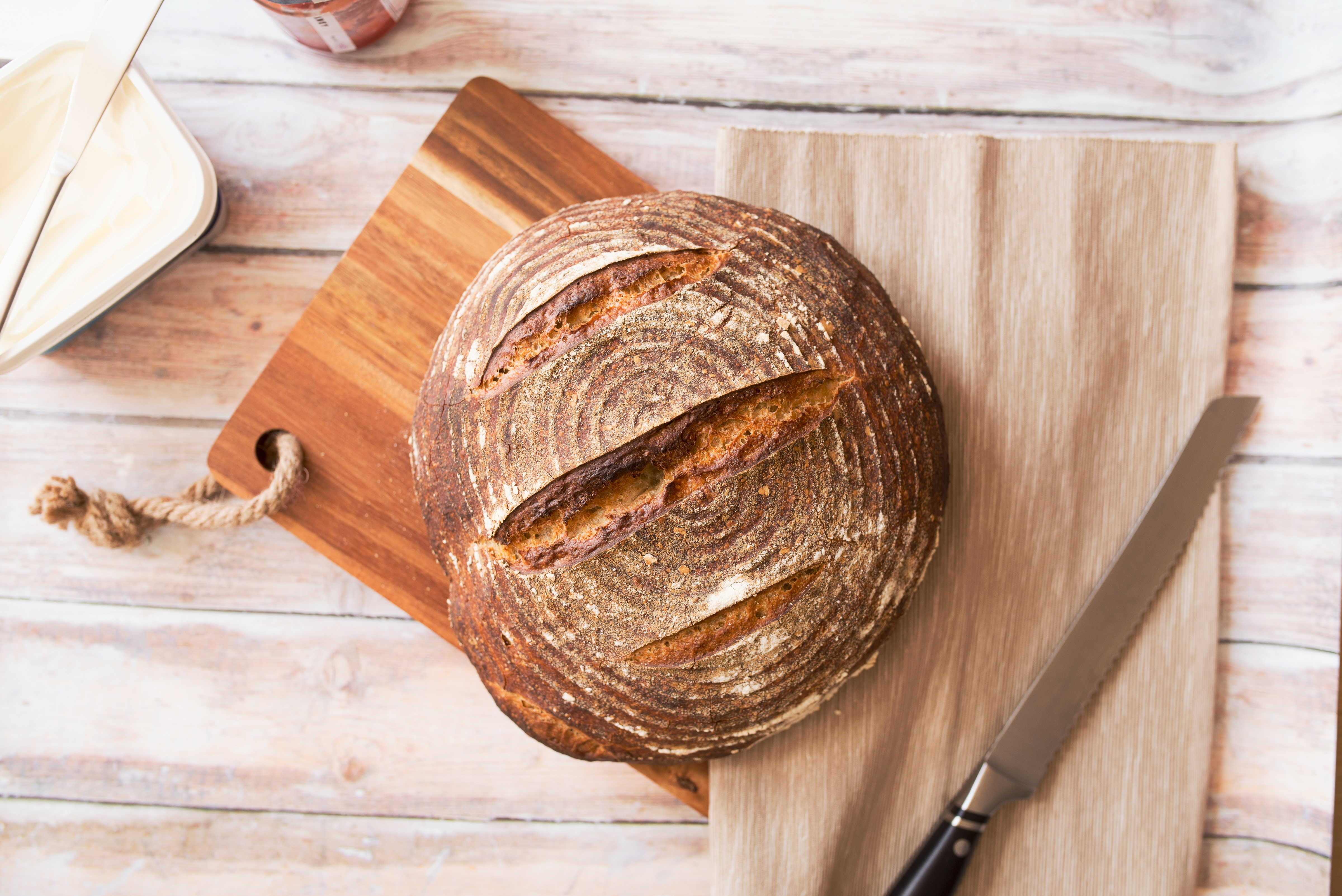 taglieri in legno pane